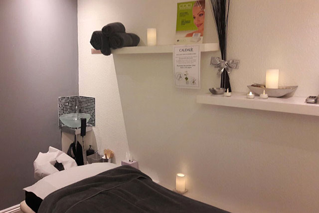 Chi relaxing treatment room